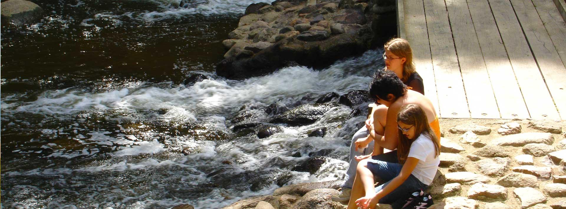 la rivière près du  camping