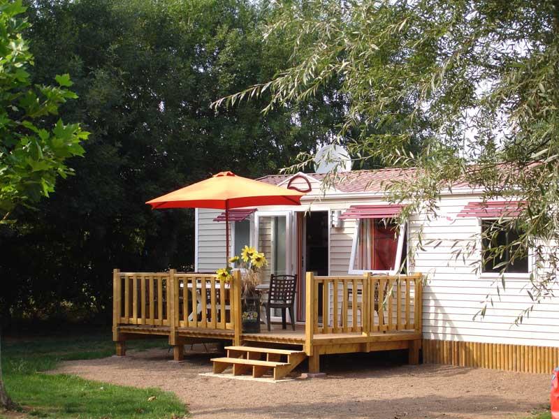 Location mobil home camping ouvert toute l 39 ann e vend e for Mobil home 3 chambres